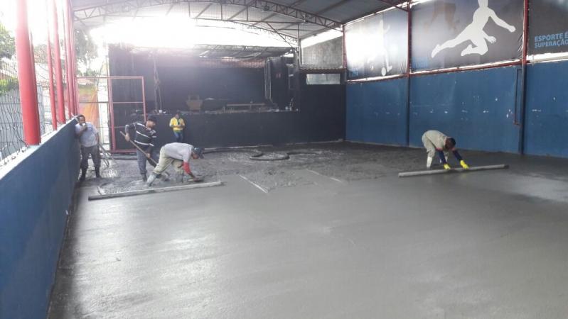 Quanto Custa Bombeamento de Concreto Usinado para Piso de Garagem Jaraguá - Bombeamento de Concreto Usinado Fck 25